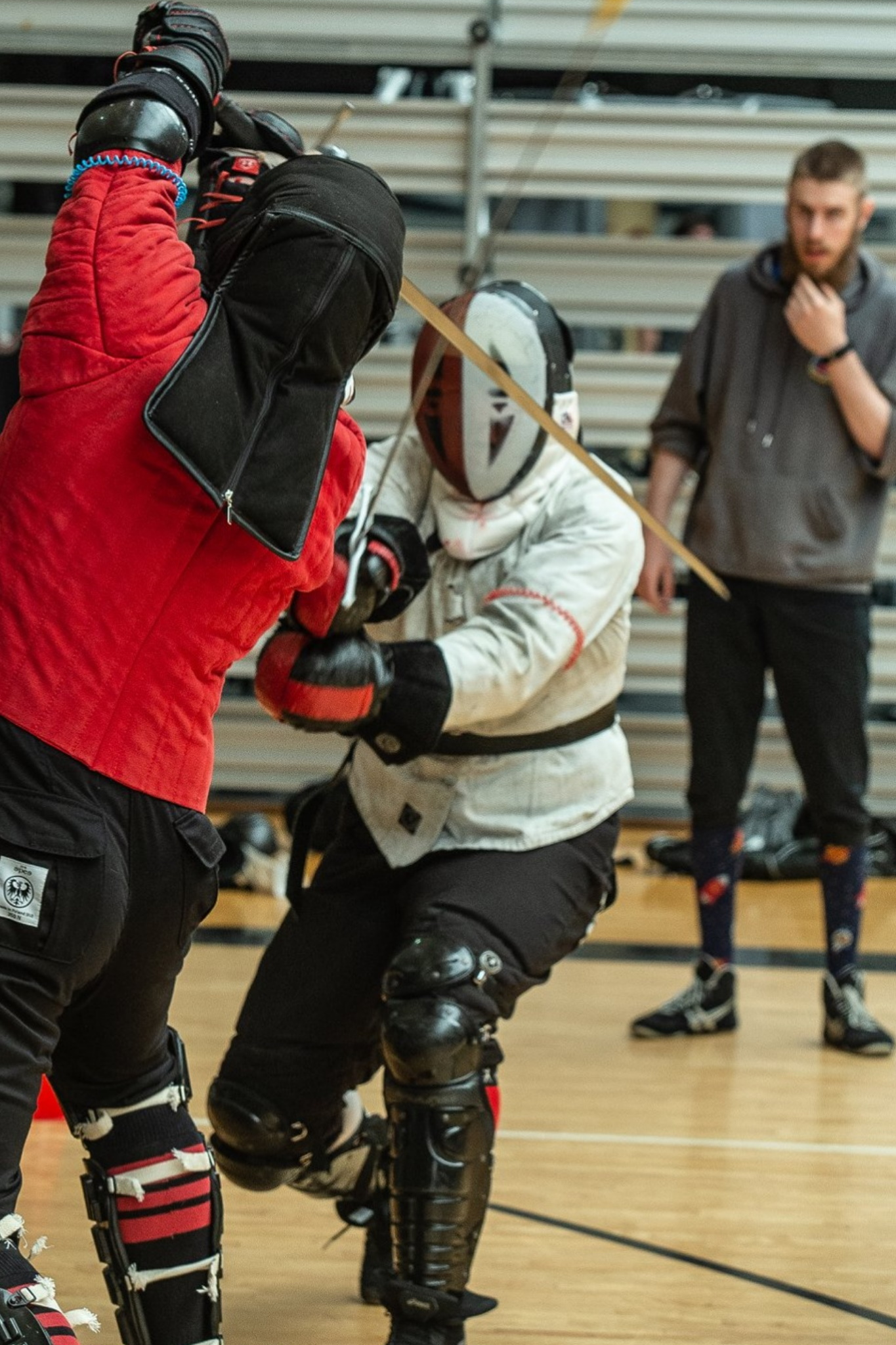 IMAGE: Longsword sparring in tournament